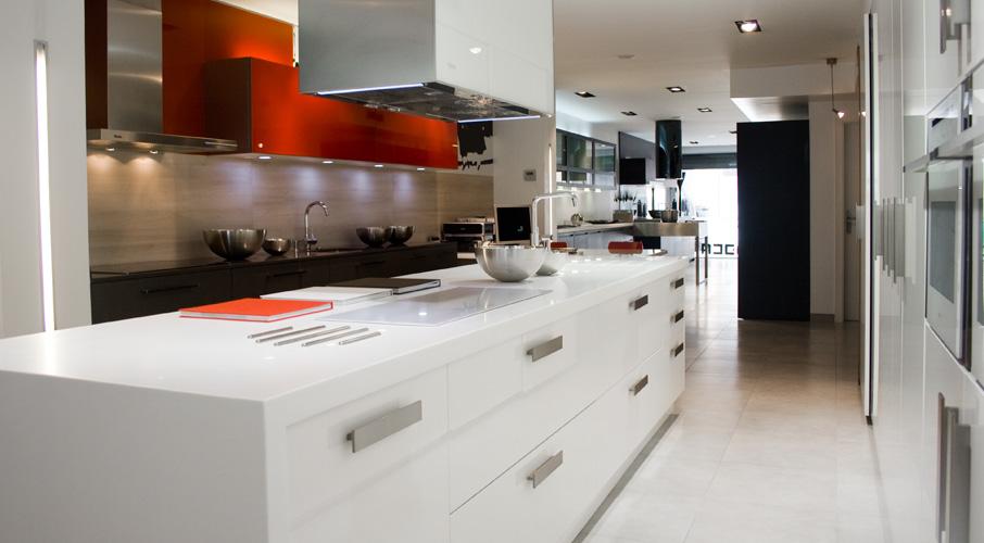 Novacuina m s de 25 a os creando cocinas de dise o for Diseno de cocina de 3x3